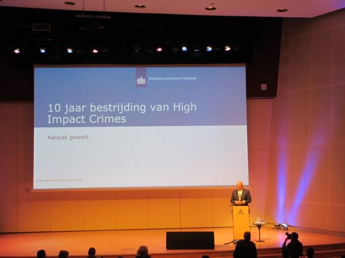 'Aandacht voor high impact crimes mag niet verslappen'