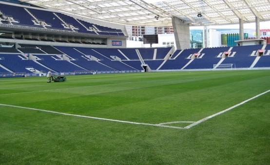 Burgemeesters: hervatten voetbalcompetitie 'heel lastig'